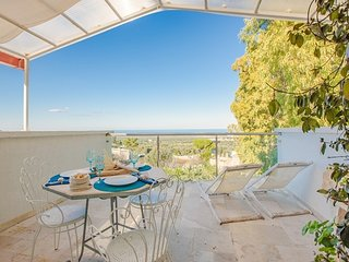 Cozy villa in the center of Ostuni with Parking, Internet, Air conditioning, Bal