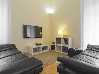 Spacious Sorrento - Seiano apartment in Arenella with WiFi & balcony.
