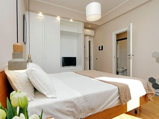 Corso Italia apartment in Via Veneto with WiFi, air conditioning & lift.
