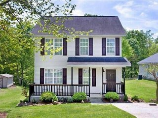 *Just Listed* 4 Bedroom, 2 Bathroom Home Near Downtown, Highways and More