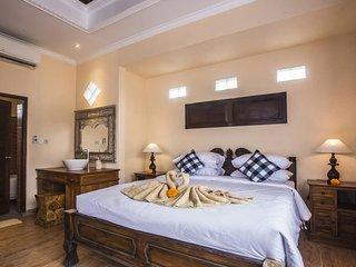 Two Bedroom Villa - Breakfast W/Lovely Staff      (CP16)