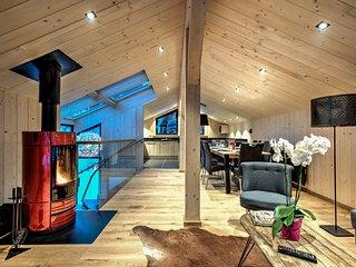 Chalet du Glacier: 3 bedroom chalet in the centre of Chamonix, sleeps 6.