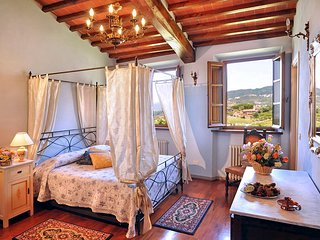 Lucca Villa Sleeps 35 with Pool and Air Con - 5049003