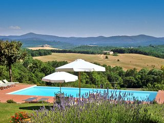Ticchiano Villa Sleeps 20 with Pool