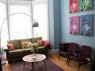 Historic Capitol Hill Homes, 4BR+, 4 level, 4BA sleeps 10