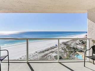 Perfect beachfront condo for couples looking to getaway at a private resort!