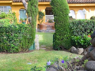 Cabopino Villa Sleeps 9 with Pool Air Con and WiFi - 5700545
