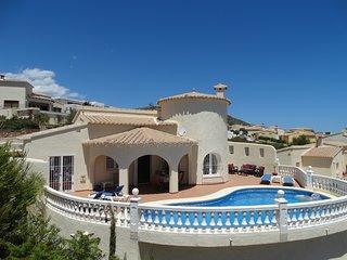 Casa Jobasol, luxe villa, voor 6 personen, met prive zwembad en uitzicht op zee