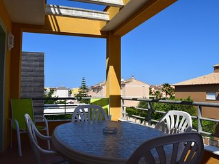 Spacious apartment close to the center of Oliva with Washing machine, Pool, Balc