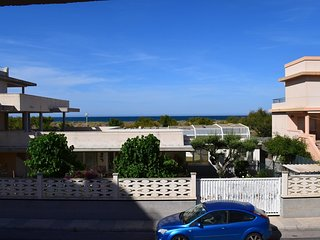 Spacious apartment a short walk away (89 m) from the 'Playa de L'Aigua Blanca' i