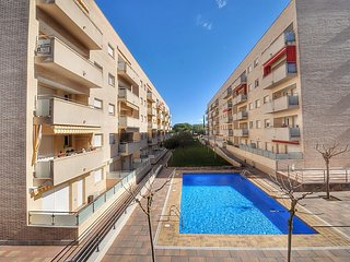 Cozy apartment very close to the centre of Lloret de Mar with Internet, Washing