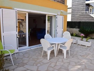 Spacious apartment close to the center of Oliva with Washing machine, Pool