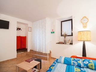 Cosy studio in the center of Senj with Internet