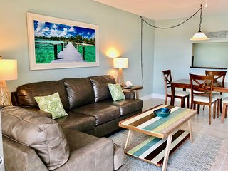 Fabulous Condo in TOP Location! On the beach and just steps to pier!