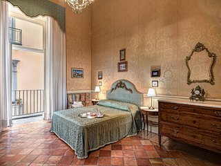 Lady Mary's Tribunali Luxury Suite