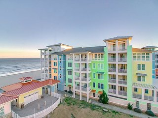 Beautiful 2 Story Penthouse w/ 3 Bedrooms and amazing beach views!