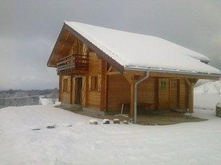 Chalet authentique au ceour de la region des lacs-Proche ski