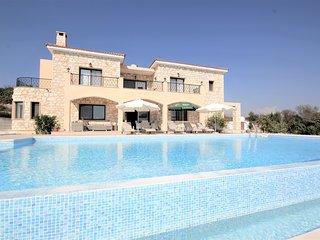 Villa Stavros Thrinia