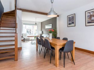 Bruges House with Garden & Free Private Parking Space (4 bed 1.5 bath)- 5 beds