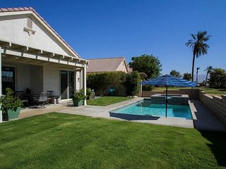 PERFECT FESTIVAL POOL HOME-walking distance to the polo grounds
