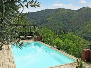 Casa Singola in Pietra con Piscina, giardino privato. Grandiosa vista