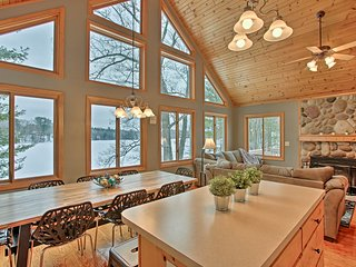 Cozy Waterfront Fife Lake Cottage on the Lake!