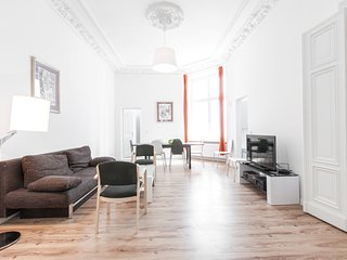 Nikolaiviertel Apartment Sleeps 10 with WiFi - 5767188