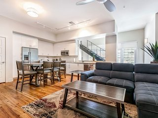 Luxury 2-story Penthouse w Terrace near French Quarter