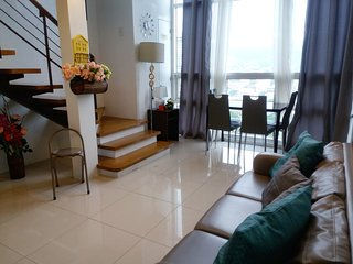 3 Bedroom City Center Apartment for 10 in Cebu