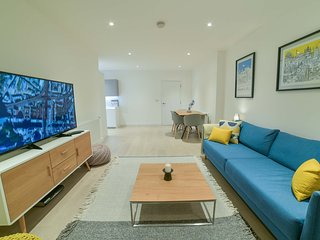 Superhost's Luxury 3-Bedroom London Flat