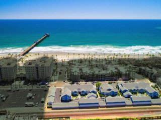Oceanside Oasis #Live the Beach Life!  Monthly Rental - Pet Welcome