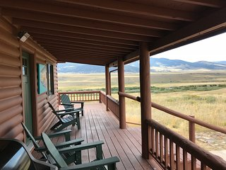 Rising Sun River Cabin, Walk to private Madison River access, 4+3, family room