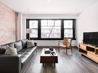 Luxurious Apartment Between Theater District and South Park