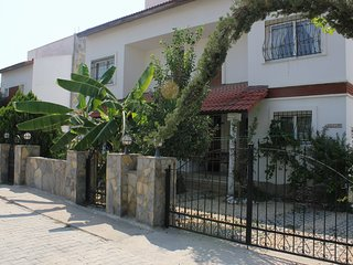 5 Bedrooms. Semi Detached. With Private Pool