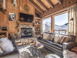 Prime Location Condo with Mountain Views - The Ridges * Chalet - H8