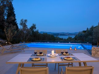 5% OFF:Brand New Luxury Villa with sea view & only 400m from the beach!