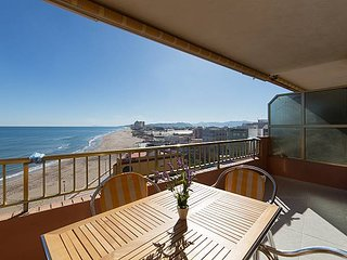 Apartamento en primera linea de mar y playa Les palmeres