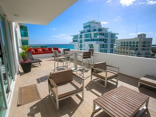 by Tim M - Penthouse #2704 - Just Remodeled & Gorgeous Inside!!!