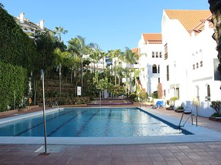 LA MAESTRANZA | WI FI | UK TV | POOL | WALKING DISTANCE TO BEACH AND GOLF |