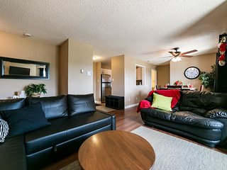 Economical & Beautiful Suite Sleeps 4!