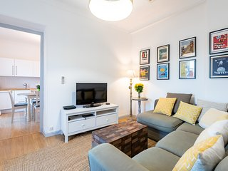 Spectacular 1 Bedroom Top Floor Apartment in Fantastic Location