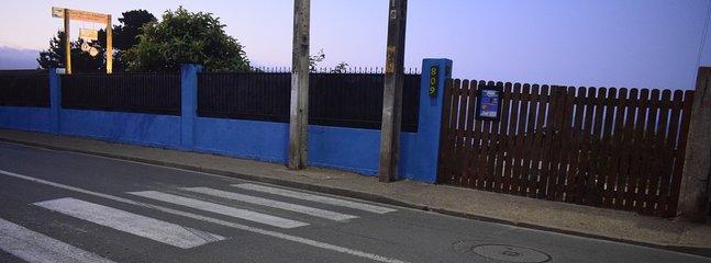 Le belvédère de Komütun vu de la rue