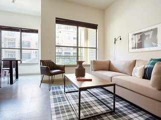 Open-Concept 2BR in Midtown by Sonder