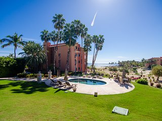 CORAL 101 CASA DEL MAR....Upscale Condo! Fantastic Views of the Sea of Cortez!