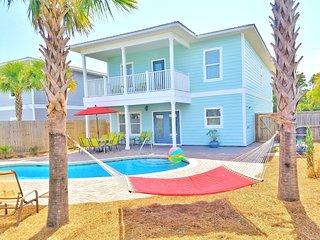 New Home! (Ocean Kiss'd) 7b/6b.Free Golf Cart! 3 Minute walk to beach!