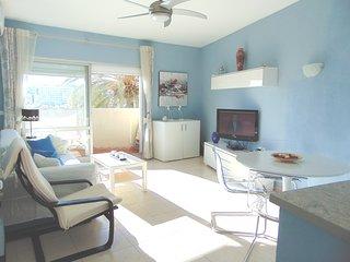 NEW.-BRIGHT.-SUNNY.-SEA VIEWS- FRONT BEACH. BIG TERRACE.- 5  POOLS - WIFI.A C