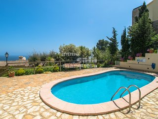 Calella de Palafrugell Apartment Sleeps 2 with Pool - 5246950