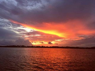 SUNRISE and WATER EXUBERANCE - INDULGE in SERENITY - GULF and INLAND BAY ACCESS!