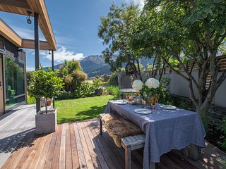 Tranquil Queenstown Escape