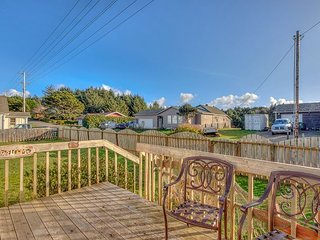 Waldport Vacation Rental Across From The Beach